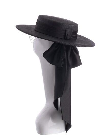 Alvaro hat